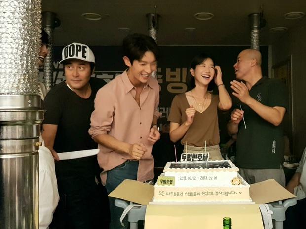 Plot twist về Seo Ye Ji: Nữ diễn viên đối xử bất ngờ với quản lý khi gặp tai nạn suýt chết, chi hẳn 400 triệu vì nhân viên - Ảnh 3.