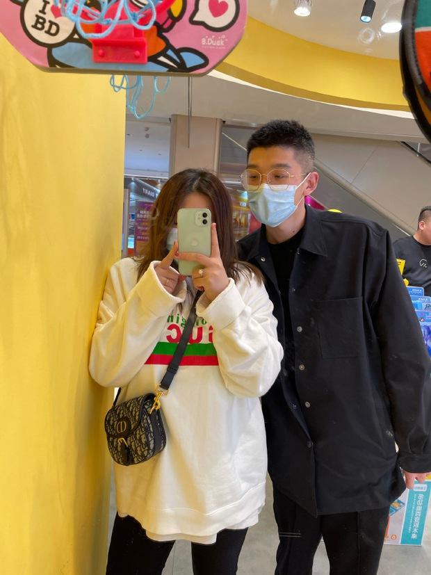 Cặp đôi đũa lệch nổi tiếng nhất Trung Quốc gây bão khắp nơi 2 năm trước giờ ra sao? Ngoại hình hiện tại của người vợ gây chú ý - Ảnh 9.