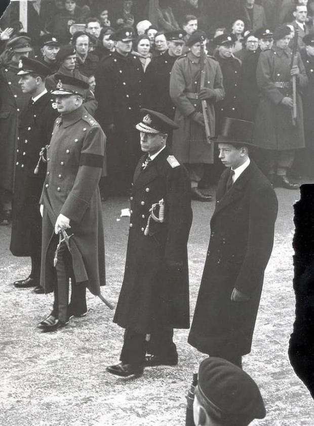 Vì bảo vệ Harry, Nữ hoàng phá bỏ luật lệ truyền thống, đưa ra quyết định chưa từng có tiền lệ trong tang lễ Hoàng thân Philip sắp tới? - Ảnh 3.