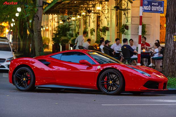 Ferrari 488 GTB của ca sĩ Tuấn Hưng đã về tay chủ mới, giá bán lại khoảng 12 tỷ đồng - Ảnh 2.