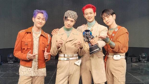 Từ BIGBANG, SNSD, 2NE1 đến BEAST đồng loạt có tín hiệu comeback, fan Kpop gen 2 như đang xuyên không về quá khứ - Ảnh 12.