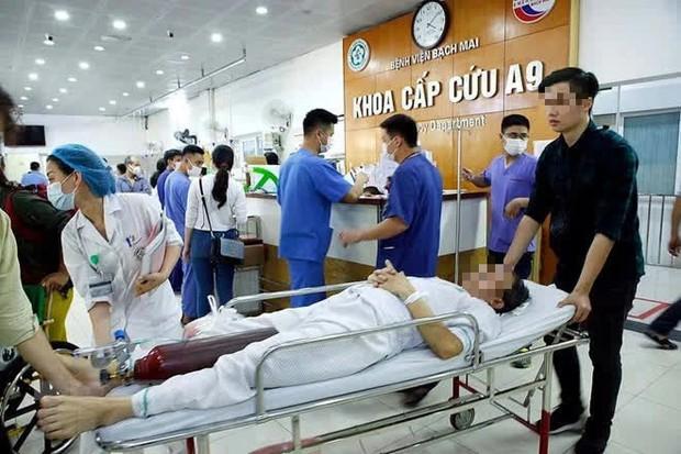 Nhân viên bị buộc nghỉ ở BV Bạch Mai: Mình có 16 năm làm việc, đến nơi mới biết gần như tất cả đều bị nghỉ - Ảnh 2.