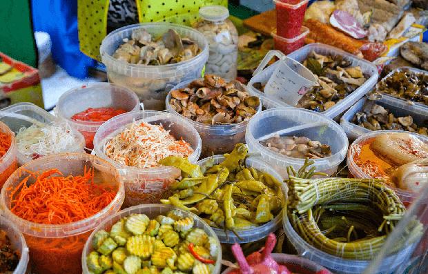 4 loại thực phẩm bán đầy chợ nhưng không nên mua, nhìn thì ngon chứ không an toàn tí nào - Ảnh 1.