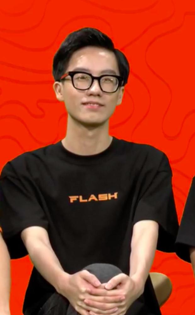 Thành viên Team Flash gây chú ý tại buổi fan meeting, fan nghi ngờ có sự biến động trong đội tuyển - Ảnh 3.