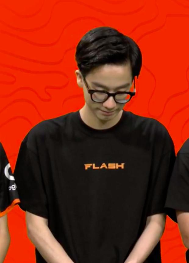 Thành viên Team Flash gây chú ý tại buổi fan meeting, fan nghi ngờ có sự biến động trong đội tuyển - Ảnh 4.