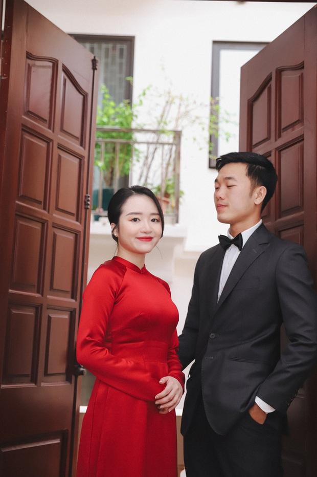 Ảnh xịn của Xuân Trường và Nhuệ Giang trong lễ ăn hỏi: Cô dâu chú rể hôn nhau đầy tình cảm - Ảnh 10.