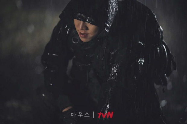 3 câu hỏi cần giải đáp trong nửa cuối của Mouse: Lee Seung Gi có giết hại cả người nhà? - Ảnh 4.