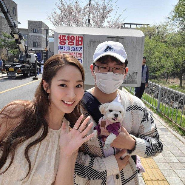 Fan Việt bắt gặp Park Min Young ngoài đời, nhan sắc thật liệu có lung linh như trên màn ảnh? - Ảnh 5.