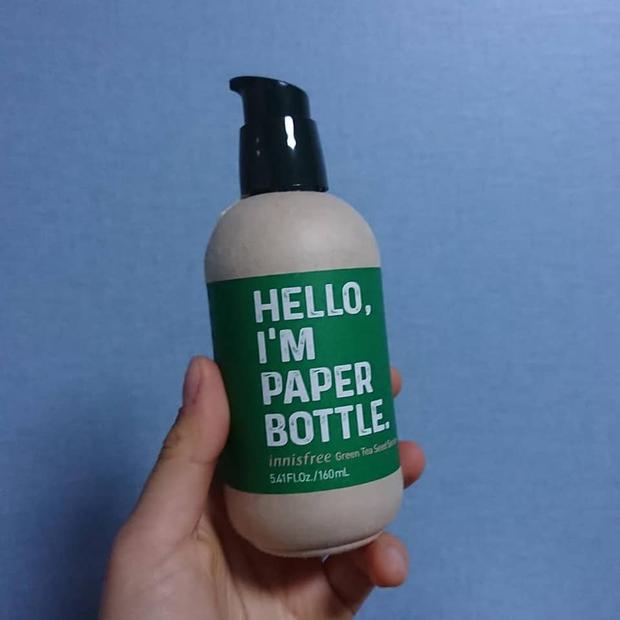 Bán chai giấy bảo vệ môi trường, hãng mỹ phẩm Innisfree Hàn Quốc nhận bão phẫn nộ khi dân mạng phát hiện sự thật bên trong - Ảnh 1.