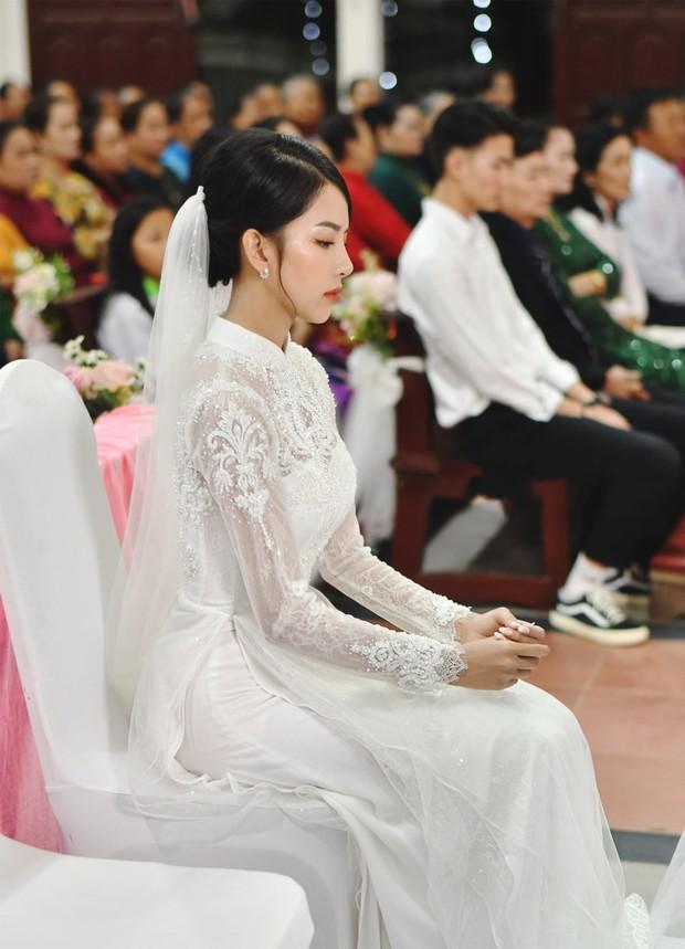 Hôm nay chú rể Phan Mạnh Quỳnh cưới được cô dâu hot girl đẹp quá: Visual và body đỉnh chóp, mê nhất góc nghiêng! - Ảnh 4.