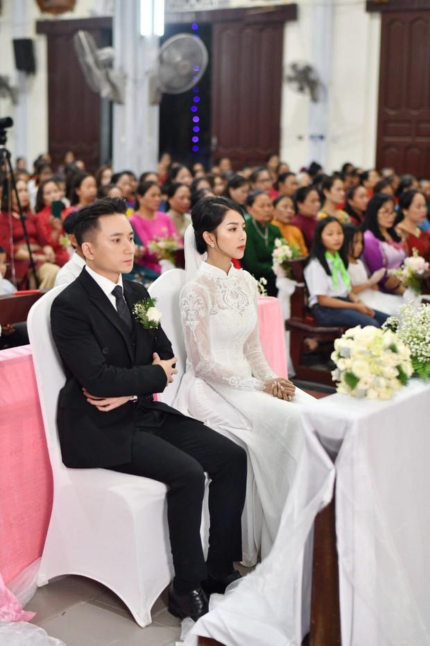 Hôm nay chú rể Phan Mạnh Quỳnh cưới được cô dâu hot girl đẹp quá: Visual và body đỉnh chóp, mê nhất góc nghiêng! - Ảnh 8.