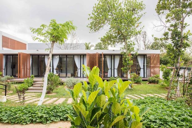Nhà cấp 4 của gia đình tam đại đồng đường ở Quảng Nam: Bên ngoài giản dị mà bên trong sang trọng như resort 5 sao - Ảnh 4.