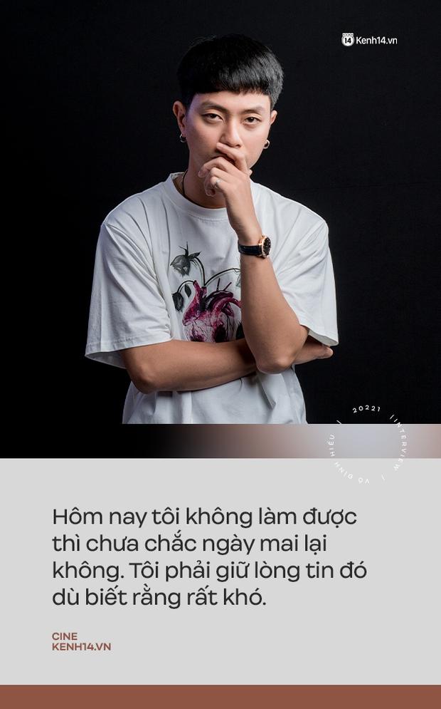 """""""Hotboy Bánh Giò"""" Võ Đình Hiếu trở lại trong Song Song: """"Ngày họp báo đứng dưới nhìn các anh chị chụp ảnh trên bục mà chạnh lòng"""" - Ảnh 7."""