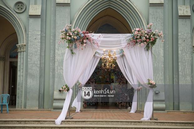 Hé lộ toàn cảnh lễ đường và ảnh cưới của Phan Mạnh Quỳnh tại Nghệ An: Sân khấu đẹp như cổ tích, quy mô nhìn sơ đã thấy khủng! - Ảnh 10.