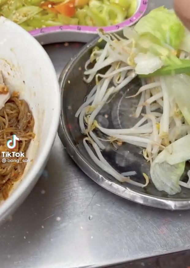 Không ngờ thói quen ăn uống tưởng kỳ lạ này của người Việt lại được nhiều người hưởng ứng tới vậy! - Ảnh 4.