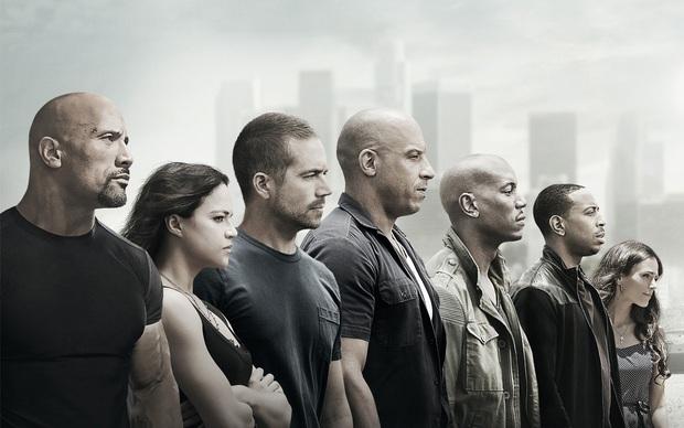 5 lần Fast & Furious trở thành huyền thoại, làm khán giả hú hồn rồi khóc cạn nước mắt - Ảnh 2.