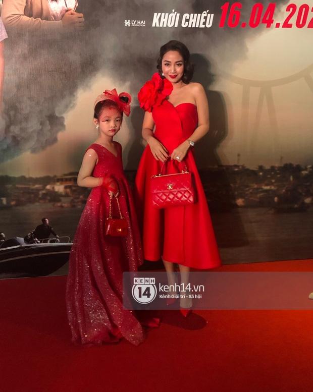 Zoom cận nhan sắc thật của mỹ nhân Vbiz ở thảm đỏ Lật Mặt: Vợ Lý Hải lộ khuyết điểm nhưng vẫn đáng gờm, Ốc Thanh Vân gây bất ngờ - Ảnh 5.