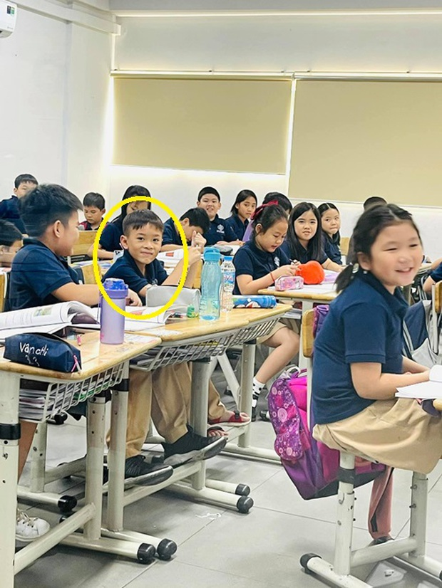 Con trai nuôi ca sĩ Thanh Thảo: Mới lớp 3 nhưng đã thông thạo tiếng Anh vanh vách, theo học ngôi trường siêu đắt đỏ - Ảnh 1.