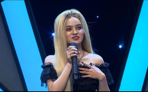 Netizen phẫn nộ với cô gái đi thi hát với thái độ bất cần, sẵn sàng đốp chát lại ban giám khảo - Ảnh 3.