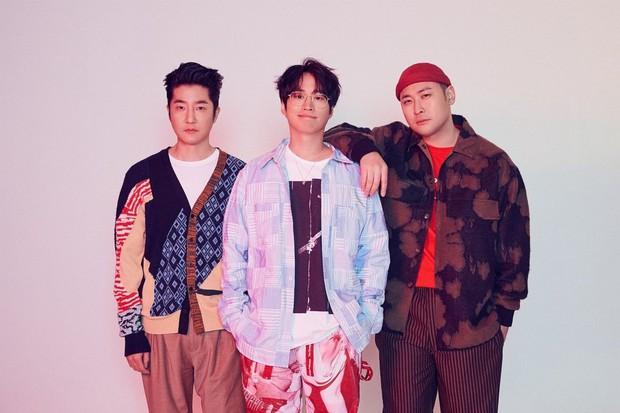 13 nghệ sĩ BTS phũ phàng bỏ follow: Bất ngờ nhất là nghệ sĩ nhà YG, có nam ca sĩ khiến fan vô cùng hả hê - Ảnh 3.