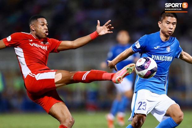 Cơn lốc đỏ Viettel giành chiến thắng 2-1 gay cấn trước CLB Quảng Ninh - Ảnh 3.