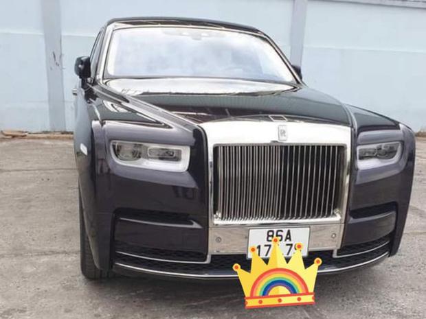 Đại gia Bình Thuận mua Rolls-Royce Phantom VIII chính hãng thứ hai tại Việt Nam: Logo mặt trời gây chú ý - Ảnh 4.