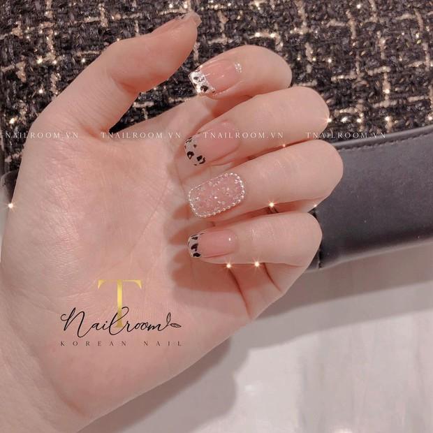 """Top mẫu nail xinh nhất ở các tiệm cho chị em đón hè: Muốn có móng xinh thì """"bơi"""" vào nghía - Ảnh 19."""