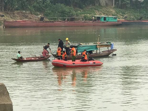 Nghệ An: Nữ sinh lớp 10 gieo mình xuống sông Lam tự tử - Ảnh 1.
