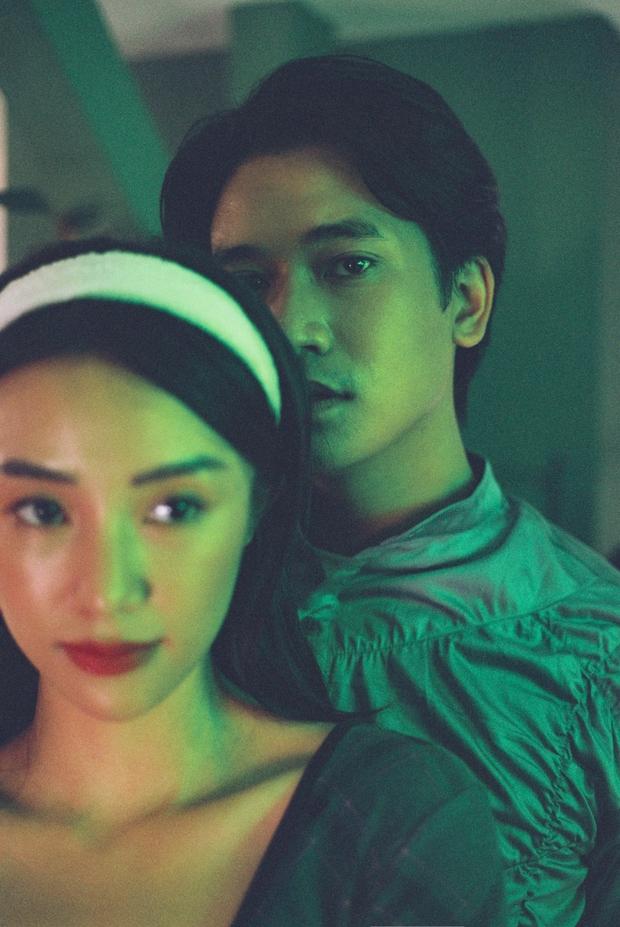 Bị đồn phim giả tình thật, mỹ nhân phim Victor Vũ đáp trả bằng bộ ảnh cực tình bên hot boy gốc Việt - Ảnh 2.