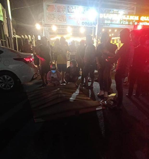 Thanh niên sát hại bạn gái rồi lái xe máy tông vào ô tô tự sát ở Sài Gòn - Ảnh 2.
