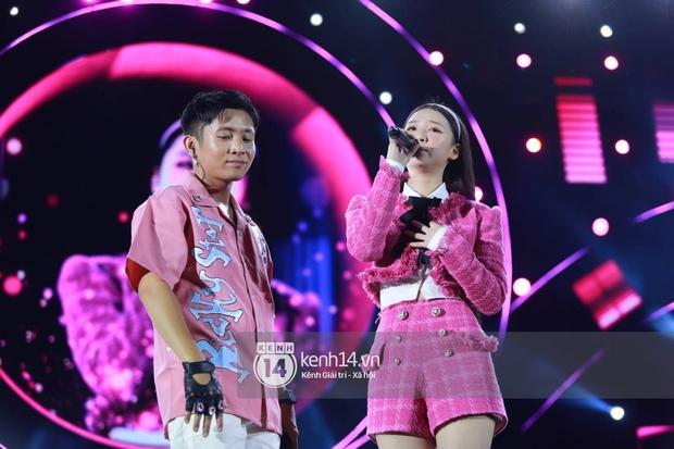 AMEE và Ricky Star ăn ý kết hợp khuấy đảo Diana Pink Fest, Lou Hoàng mang loạt hit đình đám lên sân khấu quẩy cực nhiệt - Ảnh 5.