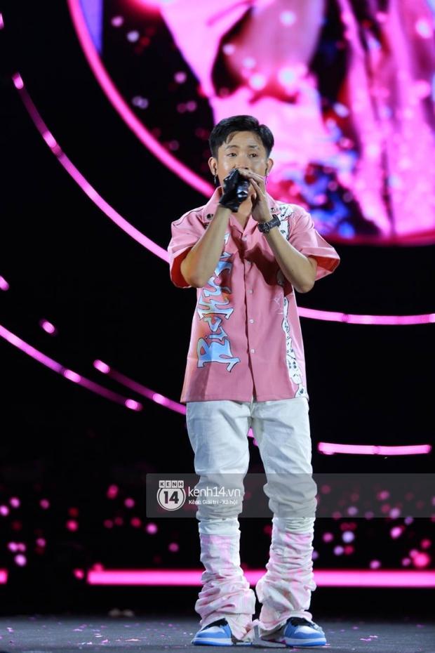 AMEE và Ricky Star ăn ý kết hợp khuấy đảo Diana Pink Fest, Lou Hoàng mang loạt hit đình đám lên sân khấu quẩy cực nhiệt - Ảnh 2.