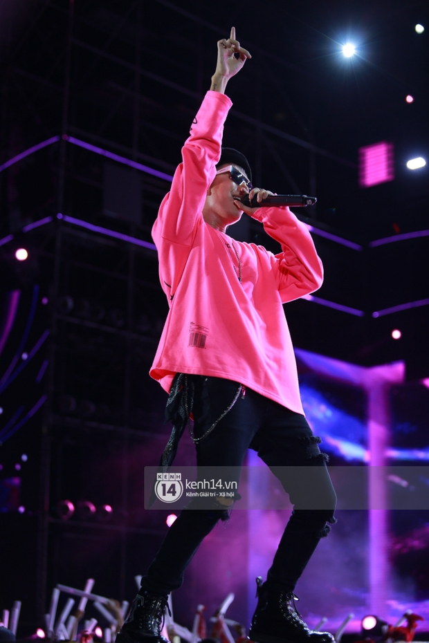 AMEE và Ricky Star ăn ý kết hợp khuấy đảo Diana Pink Fest, Lou Hoàng mang loạt hit đình đám lên sân khấu quẩy cực nhiệt - Ảnh 11.