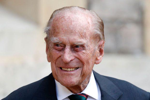Các thành viên Hoàng gia Anh lần lượt xuất hiện tại nơi cử hành tang lễ Hoàng thân Philip, vợ chồng Công nương Kate không giấu nổi đau buồn - Ảnh 8.