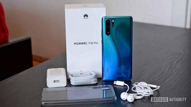 Huawei sẽ dừng tặng kèm cục sạc trong hộp máy nhưng nguyên nhân đằng sau quyết định này thật bất ngờ - Ảnh 1.