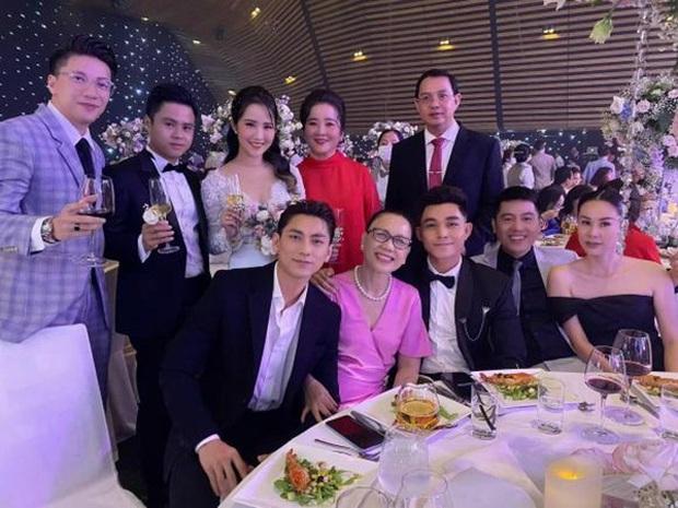 Netizen tranh cãi về tiết mục của S.T Sơn Thạch tại đám cưới Phan Thành - Primmy Trương: Anh chuyển qua đóng hài từ hồi nào vậy? - Ảnh 4.