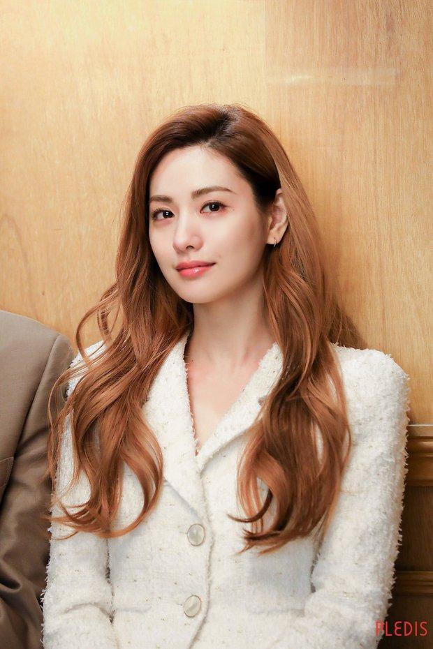 4 màu tóc nhuộm đang hot rần rần trong phim Hàn, chị em áp dụng thì độ sang chảnh lên một tầm cao mới - Ảnh 2.