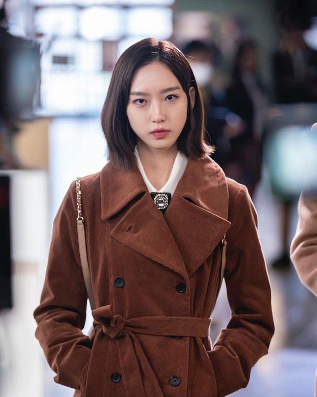 4 màu tóc nhuộm đang hot rần rần trong phim Hàn, chị em áp dụng thì độ sang chảnh lên một tầm cao mới - Ảnh 11.