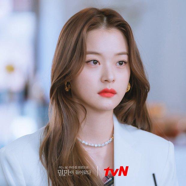 4 màu tóc nhuộm đang hot rần rần trong phim Hàn, chị em áp dụng thì độ sang chảnh lên một tầm cao mới - Ảnh 9.