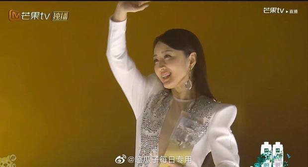 Bị lộ hát nhép, chị đại The Voice Trung Quốc vẫn hiên ngang dẫn đầu show thực tế - Ảnh 8.