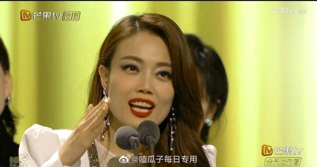 Bị lộ hát nhép, chị đại The Voice Trung Quốc vẫn hiên ngang dẫn đầu show thực tế - Ảnh 6.