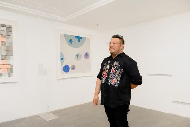 Một trong số tác giả nước ngoài bị triển lãm Plus by Bảo Nam đạo nhái lên tiếng: Anh ta quá lười biếng - Ảnh 1.