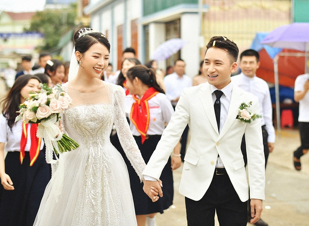Cận cảnh váy cưới đính 10.000 viên pha lê bạc của hot girl Khánh Vy - vợ Phan Mạnh Quỳnh - Ảnh 5.