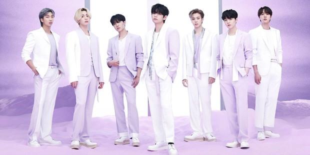 Nhìn lại loạt ảnh thời còn đi học của BTS: Ai rồi cũng dậy thì thành công, riêng V và Jungkook đúng là siêu visual ngay từ bé - Ảnh 1.