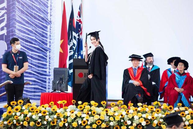 Á hậu Phương Anh tốt nghiệp Thủ khoa RMIT vẫn làm 2 việc đời thường đến mức khó tin - Ảnh 3.