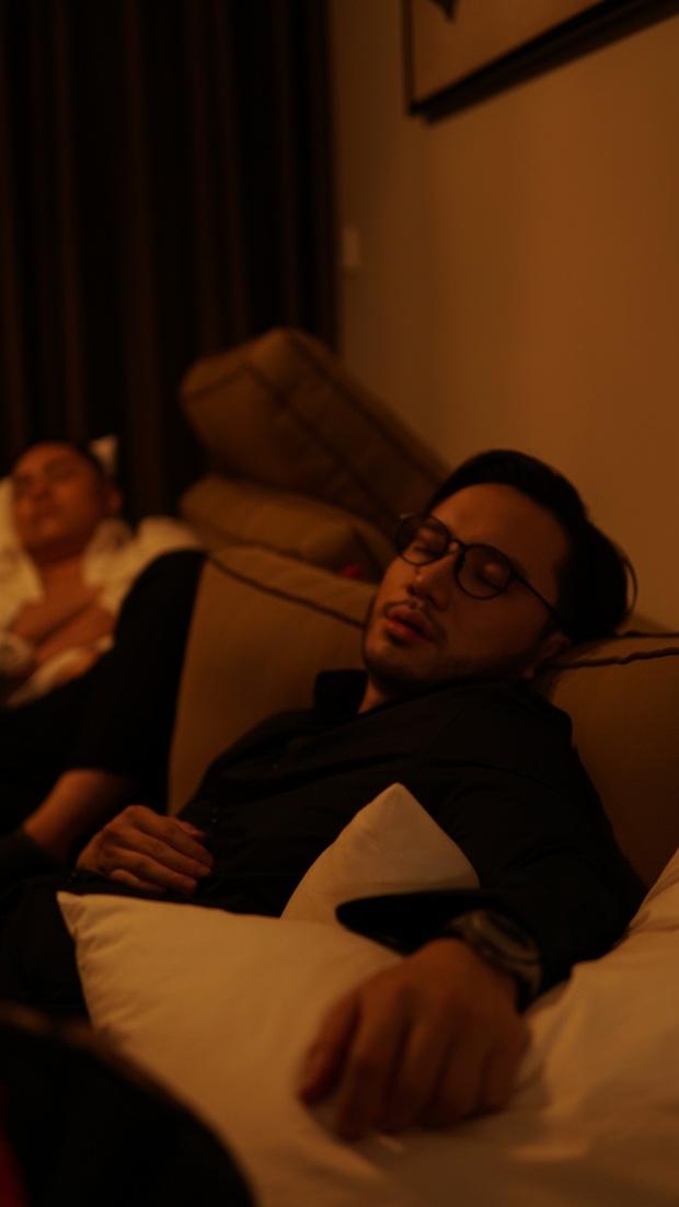 O Buồn và Jay Bach tái xuất với MV mới rất gì và này nọ, nghiêm túc trở thành cặp bài trùng mới của Vpop? - Ảnh 3.