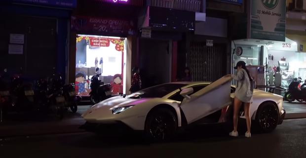 Jessie Lương - gái đẹp sexy lái siêu xe 20 tỷ đi ăn cơm tấm, là ai?  - Ảnh 2.