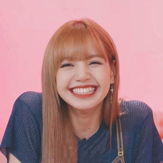 Lisa (BLACKPINK) mê boygroup nhà SM lắm rồi: Mới nhảy Kick It cực đỉnh giờ lại rủ rê thí sinh nhảy chung bài mới toanh - Ảnh 6.