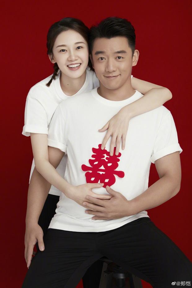 Cbiz năm nay có 2 hôn lễ cực hot: Trần Kiều Ân quyết lấy chồng ở tuổi 42, người tình của Angela Baby tuyên bố rõ ràng? - Ảnh 4.