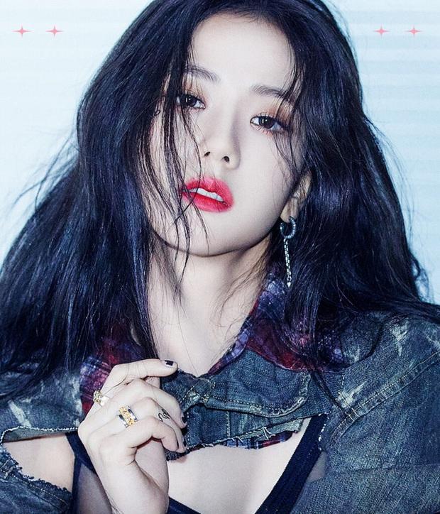 Soi tóc tai, mặt mũi của Jisoo xong mà giật mình vì thấy quá giống 1 nữ idol, kể cả đóng làm mẹ con cũng quá hợp! - Ảnh 1.